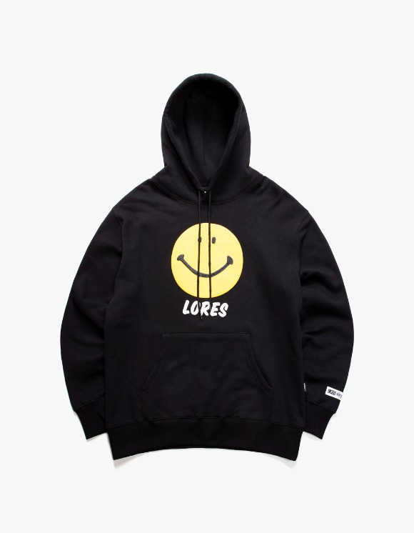 Lores Smile Pullover Hoodie - Black | HEIGHTS. | International Store